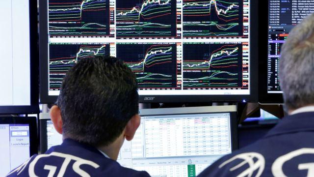 Wall Street abre al alza ante posible recorte tributario