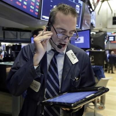 Wall Street cierra con ganancias y el Dow Jones sube 0.44 por ciento