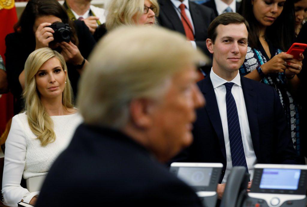 Asesor de Donald Trump evadió pago de impuestos durante tres años