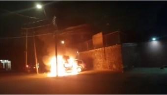 Accidentes automovilísticos dejan tres vehículos incendiados en CDMX