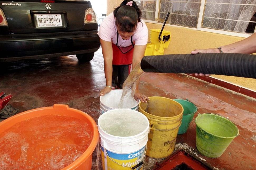 Derechos Humanos pide garantizar suministro de agua en la CDMX