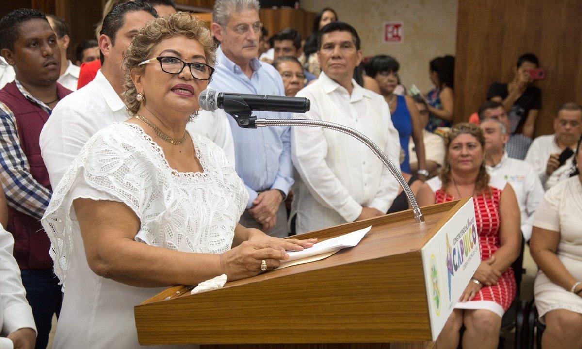 Alcaldes de Guerrero reciben municipios saqueados