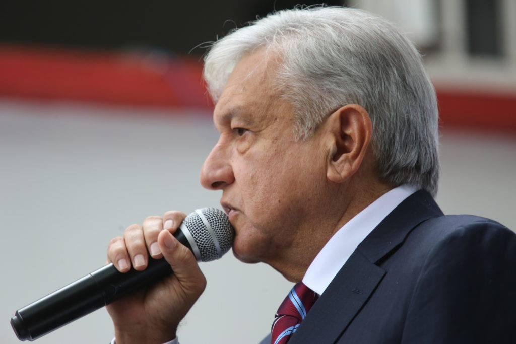 López Obrador anuncia reunión con empresarios del NAIM