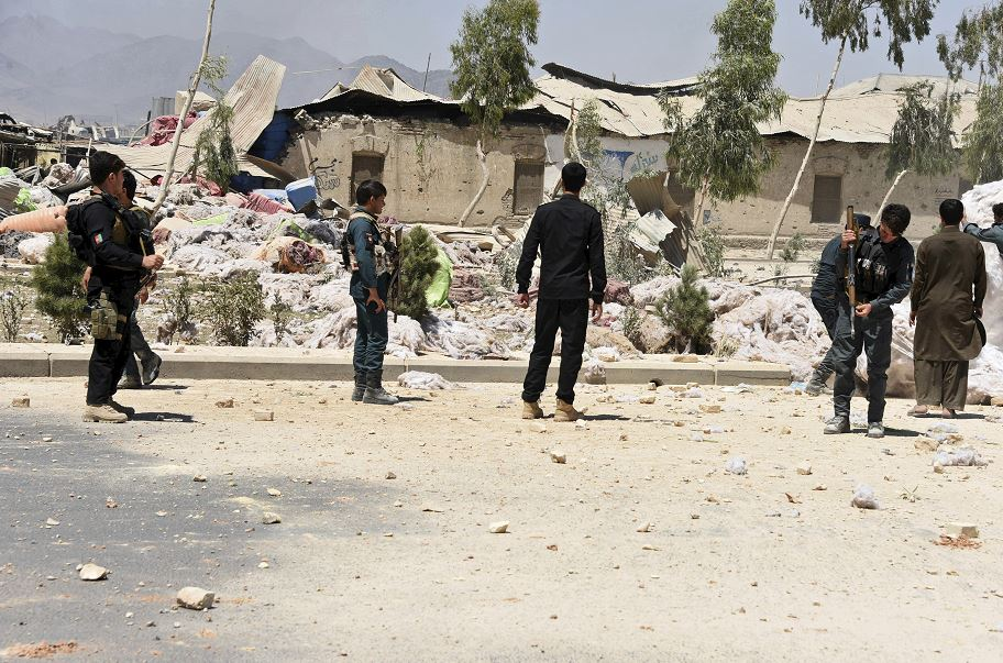 Los talibanes reivindican atentado contra autoridades afganas y de la OTAN