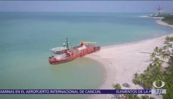 Barcos abandonados causan daños en la Isla del Carmen, Campeche