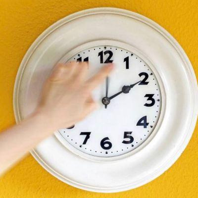Inicia horario de invierno; atrasa tu reloj una hora