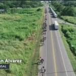 Caravana migrante avanza hacia Tapachula