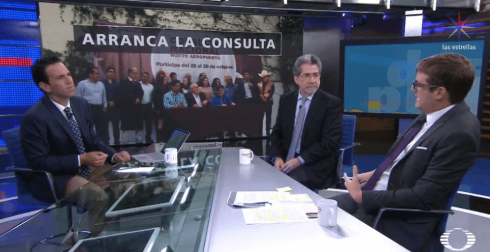 Consulta nuevo aeropuerto: ¿farsa o ejercicio democrático?, debaten analistas en Despierta; en la imagen, una mesa de votación en la CDMX (S.Servín)