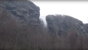 Cascada-que-sube-arriba-hacia-Catarata-sube-Video-Viral-sub-bajar-portada