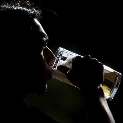 Siete de cada 10 mexicanos beben cerveza para socializar