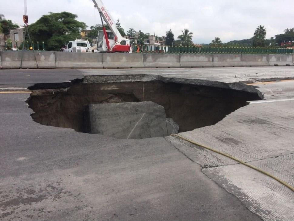 CNDH: Cadena de ineptitudes provocaron socavón en Paso Exprés