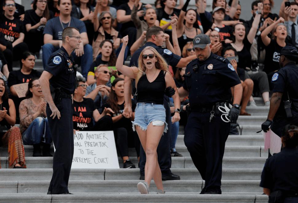 Confirmación de Kavanaugh generaron protestas. (Reuters)