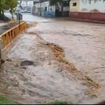 Declaran emergencia en Nogales, Sonora, por lluvia provocada por 'Willa'