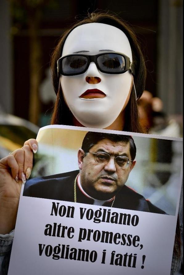 Denuncian a sacerdotes pederastas en Italia; documentan 300 casos