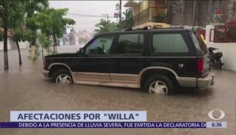 Desbordan ríos y arroyos en Colima y Jalisco por 'Willa'