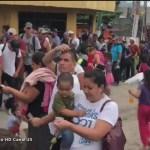 Difunden videos de migrantes hondureñas recibiendo dinero
