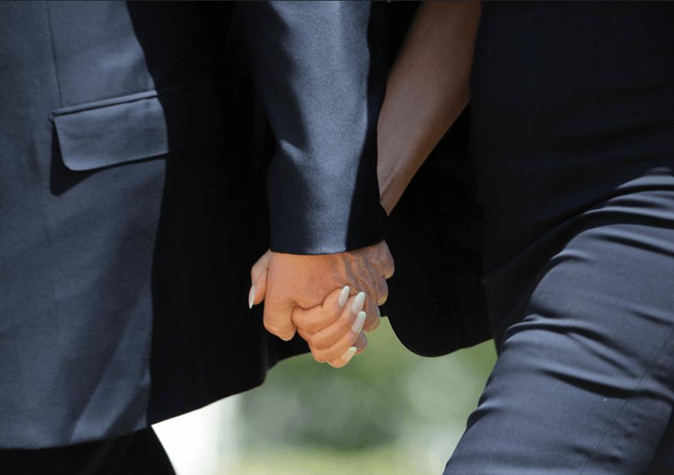Donald Trump y Melania Trump tomados de la mano. (Getty Images, archivo)