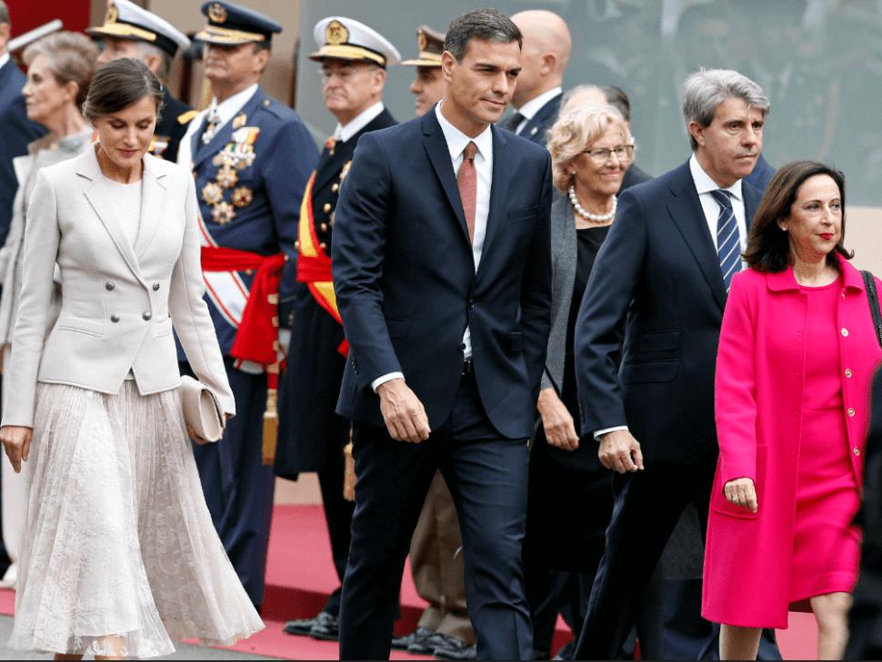 El presidente Pedro Sánchez fue blanco de protestas durante el evento. (AP)