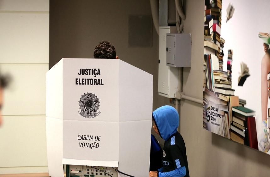 Los brasileños van a las urnas para elegir nuevo presidente - Policiales