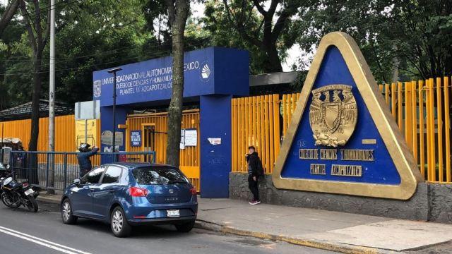 Estudiantes del CCH Azcapotzalco detienen a un presunto porro