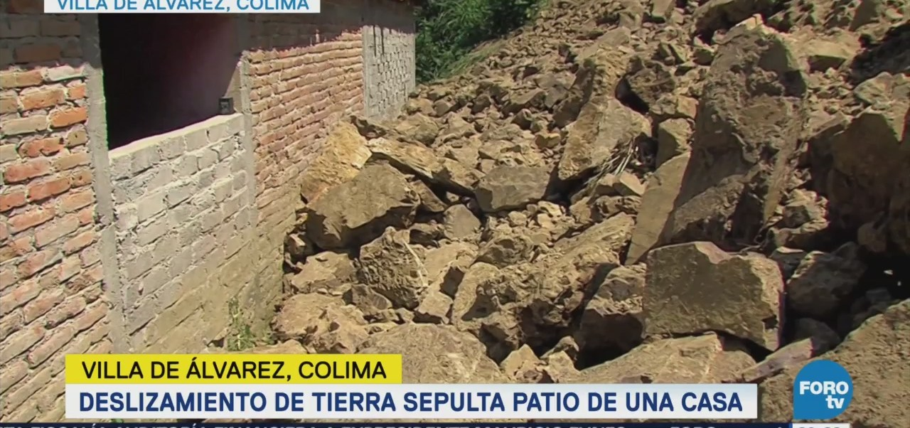 Familia Se Salva Derrumbe Colima Provocado LLuvias