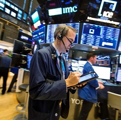 Wall Street cierra mixto y el Dow Jones baja 0.50 por ciento