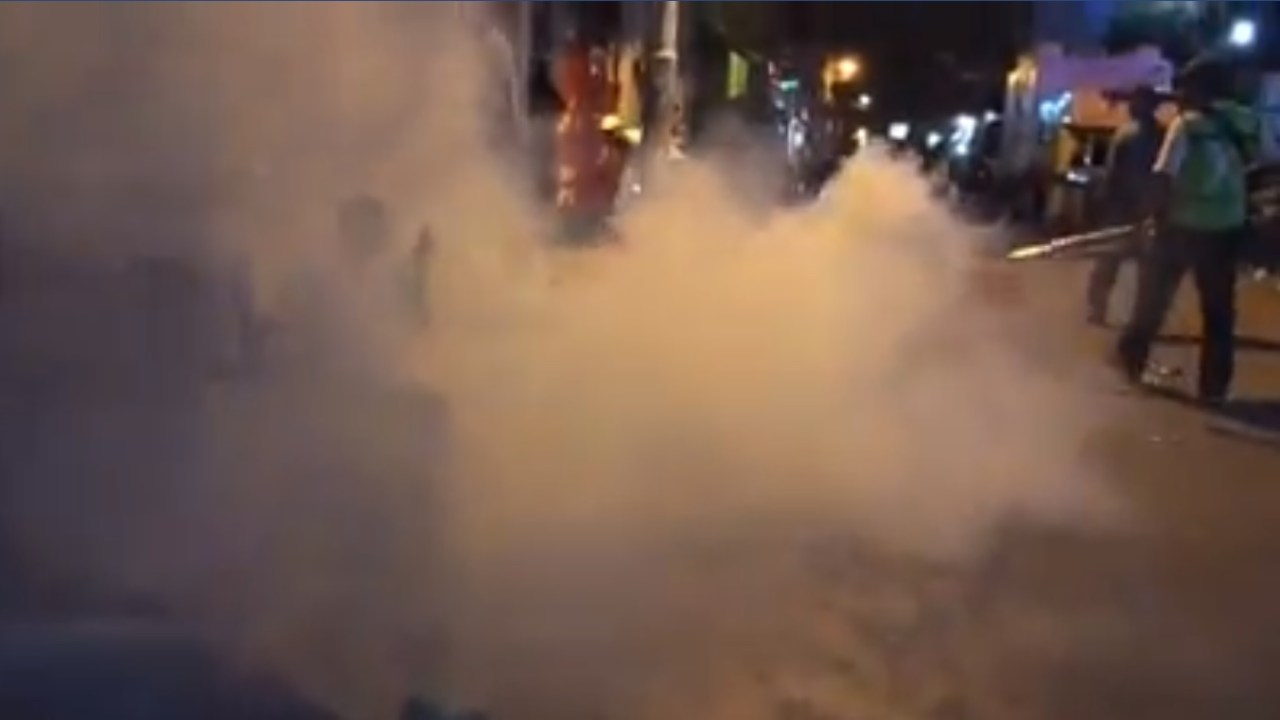 Chiapas fumiga a miembros de caravana migrante