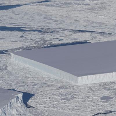 NASA detecta extraño iceberg rectangular en la Antártida