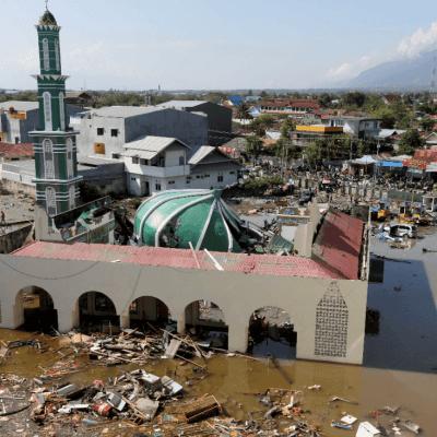 Indonesia busca a posibles sobrevivientes tras terremotos y tsunami