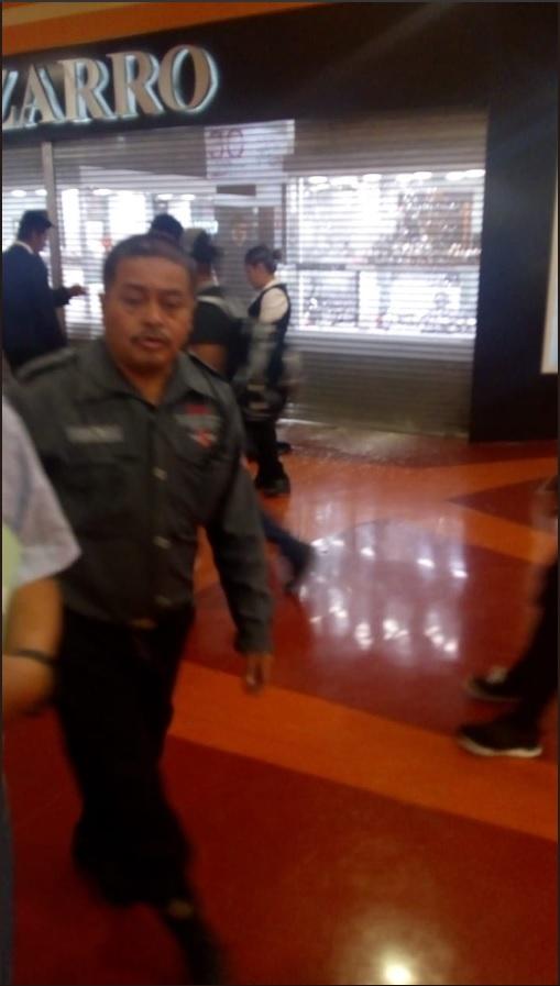 Intento de asalto en joyería de Ecatepec provoca alarma entre clientes