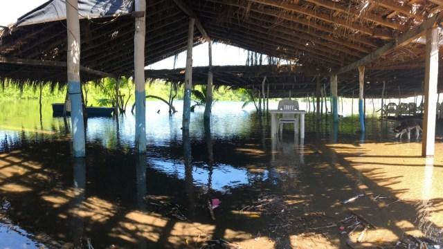 Clima Colima hoy; fuerte oleaje provoca daños en playas