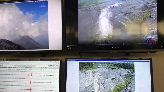 Zona volcánica Colima; lluvias provocan descenso de lahares