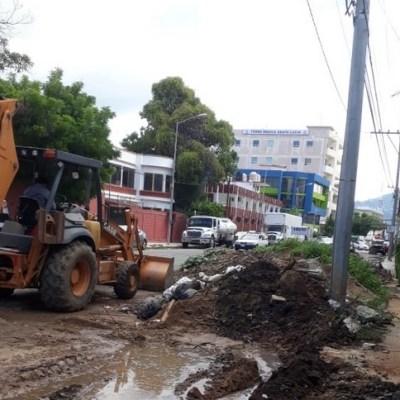 Retoman trabajos de limpieza en canales pluviales de Acapulco