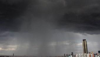 Llueve fuerte en la CDMX; policía capitalina atiende afectaciones