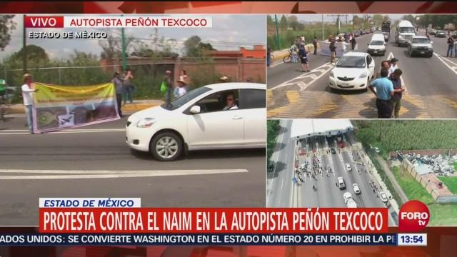 Manifestantes afectan tránsito en la autopista Peñón-Texcoc