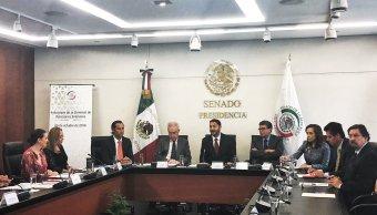 Martí Batres respalda consulta sobre construcción del NAIM