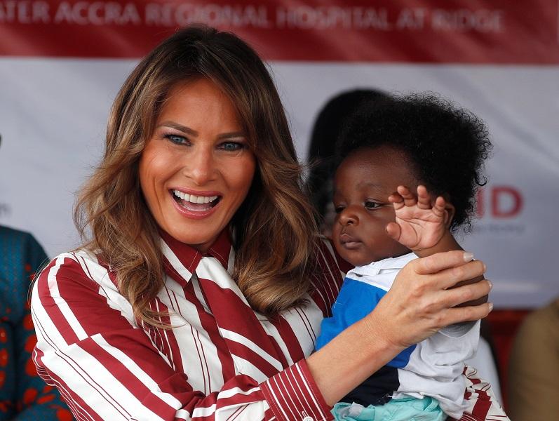 Melania Trump en África; llega a Ghana en su primera escala