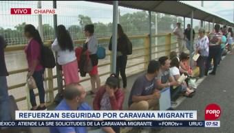 Migración controla paso de puente internacional 'Rodolfo Robles' en Chiapas