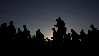 Proponen puente humanitario para caravana migrante en su paso por México