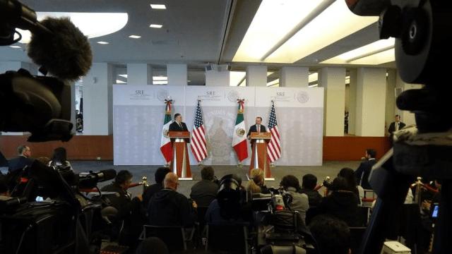 Videgaray a Pompeo: La política migratoria mexicana la define México