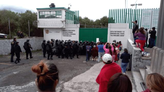 Motín en penal del Molino de las Flores en Texcoco