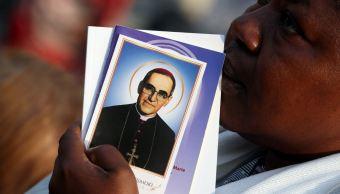 papa francisco proclama santo obispo salvadoreno oscar romero