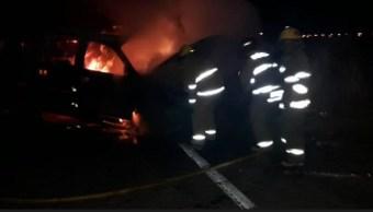 Seguridad Jalisco; se incendia patrulla tras choque