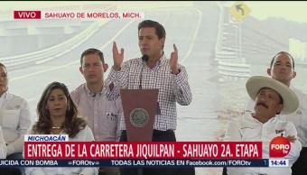 Peña Nieto entrega la carretera Jiquilpan Sahuayo