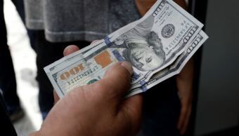 Peso mexicano pierde ante el dólar, que cotiza a 18.88