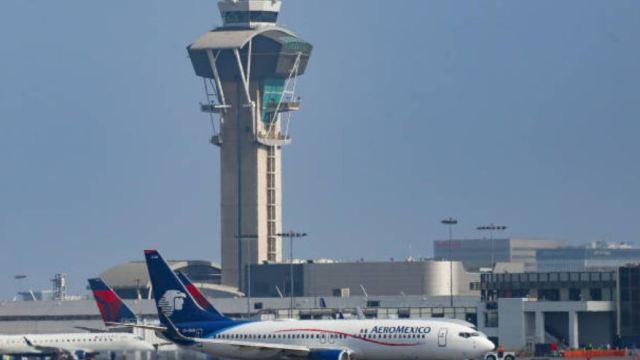 Pilotos de Aeroméxico aplazan huelga 48 horas más para negociar