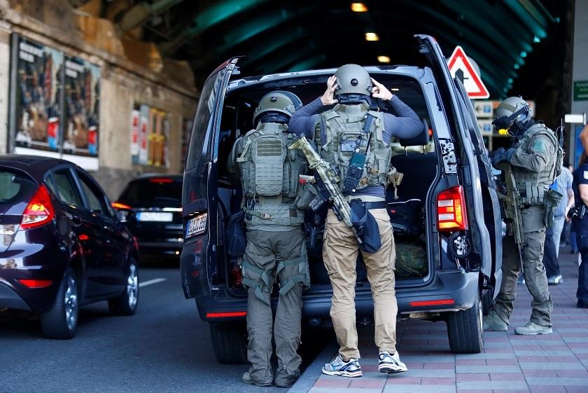 Policía de Alemania se moviliza por toma de rehenes