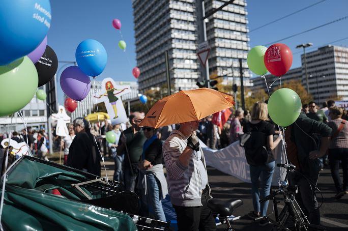 Se manifiestan en Berlín contra el racismo