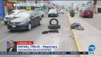 Socavón afecta vialidad en Ecatepec
