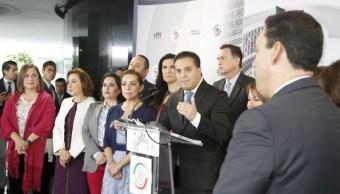 Senadores PAN piden a AMLO definir papel de Fuerzas Armadas